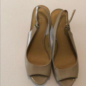 Nine West sling back heels 6.5
